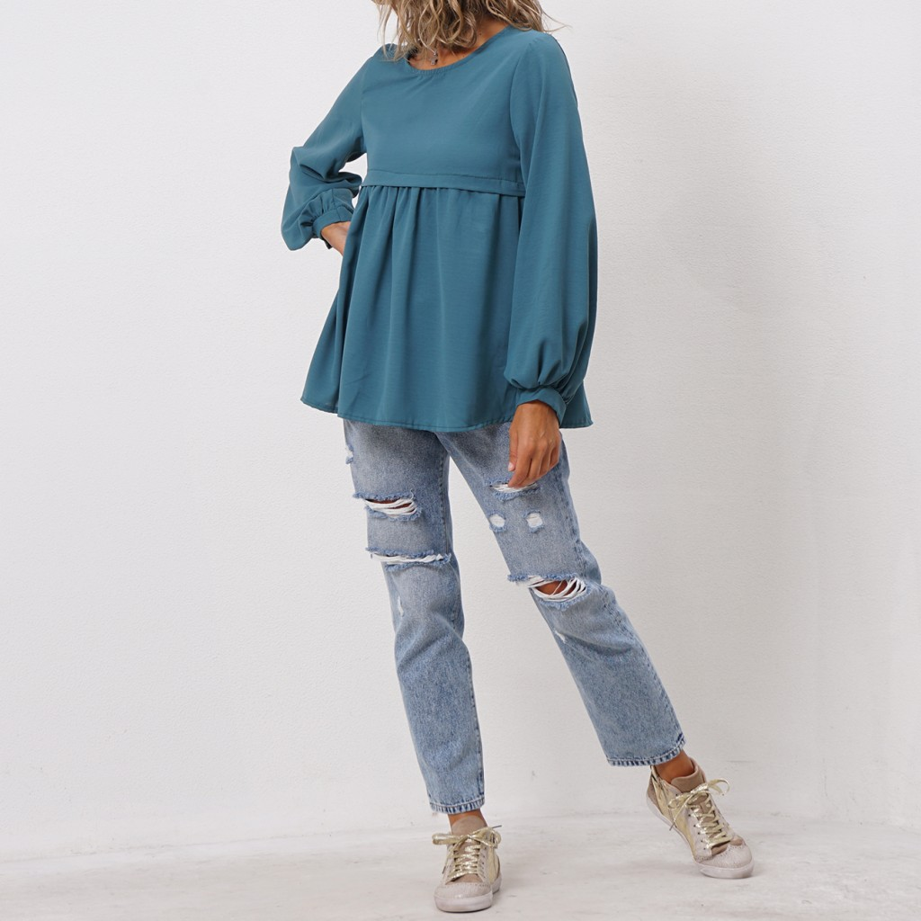 blouse with ruffles