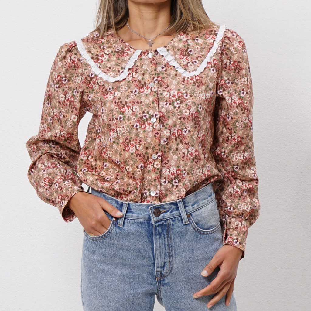blouse in poplin with English embroidery